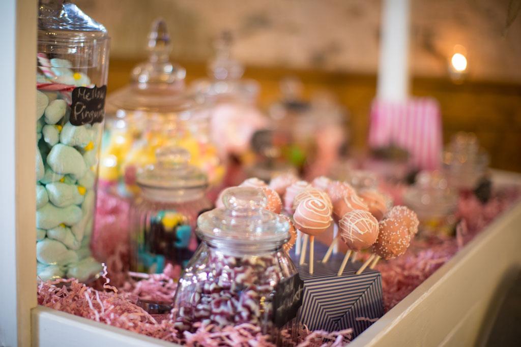candybar candy buffet der hochzeit partytrend f r. Black Bedroom Furniture Sets. Home Design Ideas